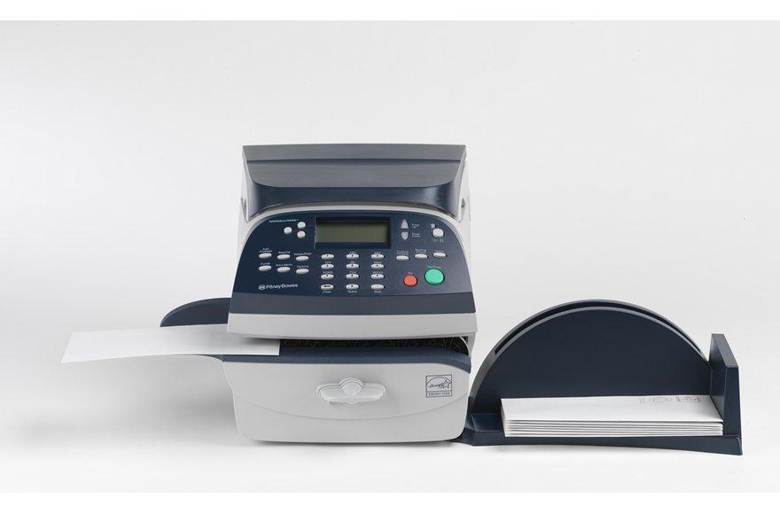 machine affranchir dm220i machines affranchir jusqu 39 100 lettres jour pitney bowes. Black Bedroom Furniture Sets. Home Design Ideas