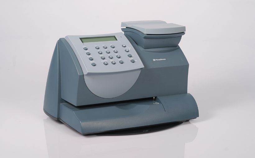 Built-in 5kg digital weighing scales for accurate postage every time