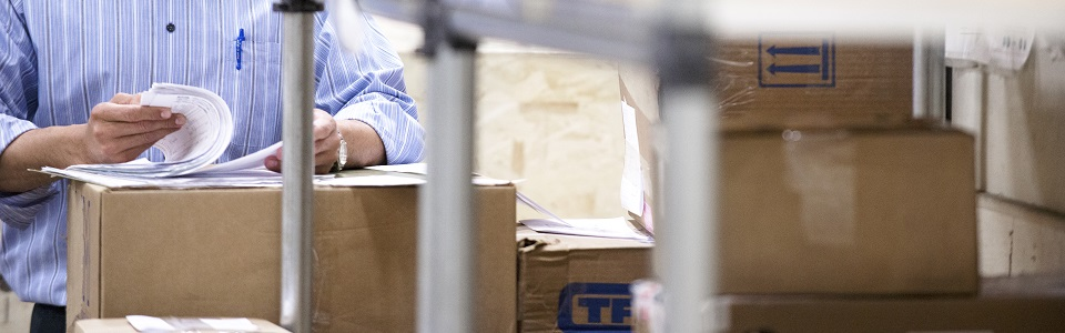 What's happening in the world of shipping: USPS® at CES and FedEx at Walgreens