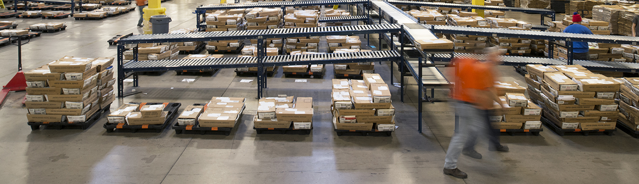 Warehouse Automation Speeds Up Shipping Pitney Bowes